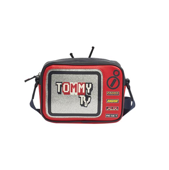 Сумка Mini Me, Tommy Hilfiger, цена по запросу («Метрополис»)