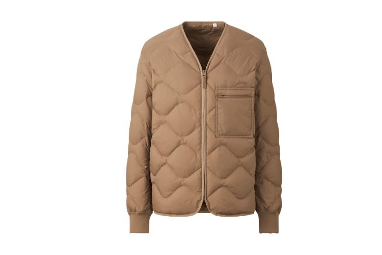 Куртка Uniqlo из переработанного пуха, 6999 руб. (Uniqlo)
