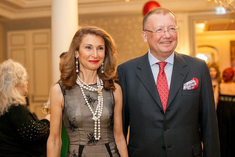 Яковенко Александр Владимирович с супругой Наной