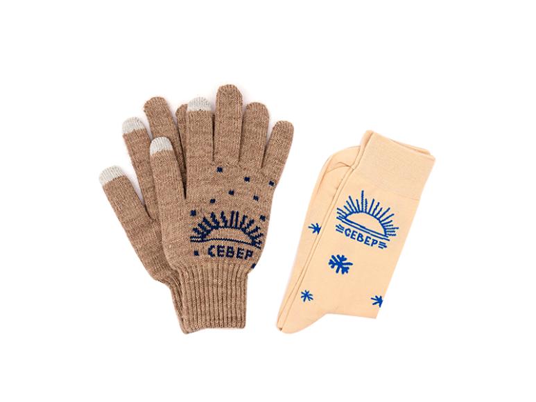Набор из перчаток и носков St. Friday Socks, 1099 руб. (myfriday.ru)
