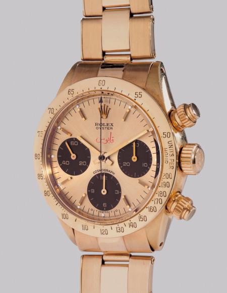 """Rolex Ref. 6265 Cosmograph Daytona """"Qaboos"""" Единственный в своем роде хронограф Rolex в желтом золоте, с циферблатом цвета шампань и браслетом, созданный специально для Султаната Оман. Оценочная стоимость: CHF 200–400 тыс."""