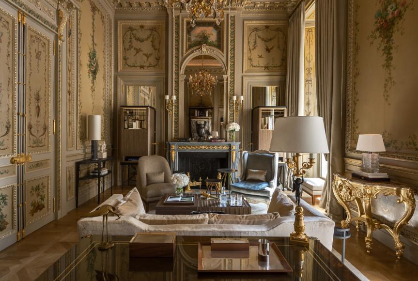 Гостиная сьюта Duc de Crillon