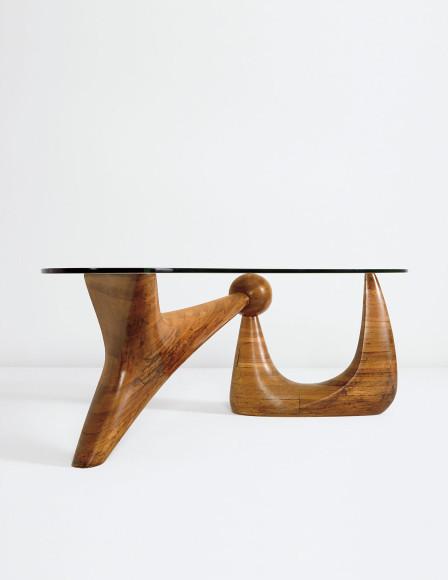 Исаму Ногучи, стол The Goodyear, 1939. Эстимейт $2–3 млн, продан за $4,450,500