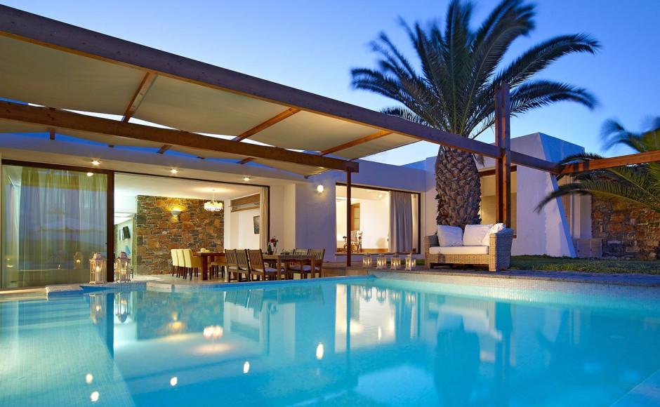 «Дом Афродиты»— клубная вилла с тремя спальнями и собственным бассейном с видом на море
