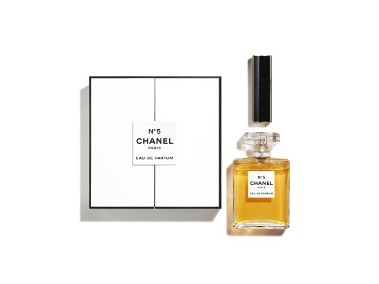 Цветочно-альдегидный аромат Chanel № 5 в комплекте с дорожным флаконом Chanel