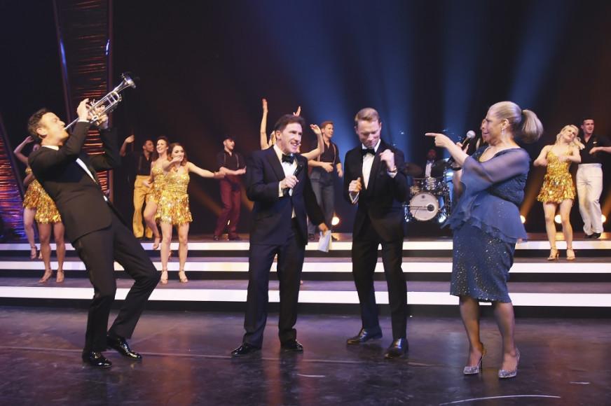 Песня в исполнение До Броннера, Роба Брайдона, Ронана Китинга и Патти Остин на гала-ужине IWC