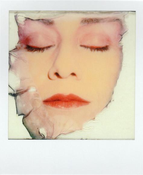 Одиль Мулина, «Лицо», 1980. Polaroid SX-70. 10,8x8,8. OstLicht Collection, Вена