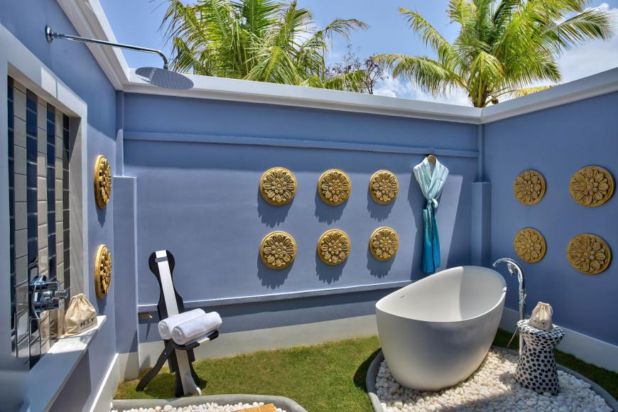 Ванная комната под открытым небом на пляжной вилле