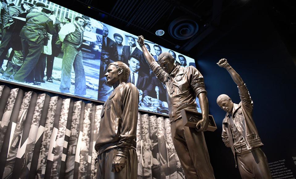 Зал музея о борьбе чернокожих за свои гражданские права