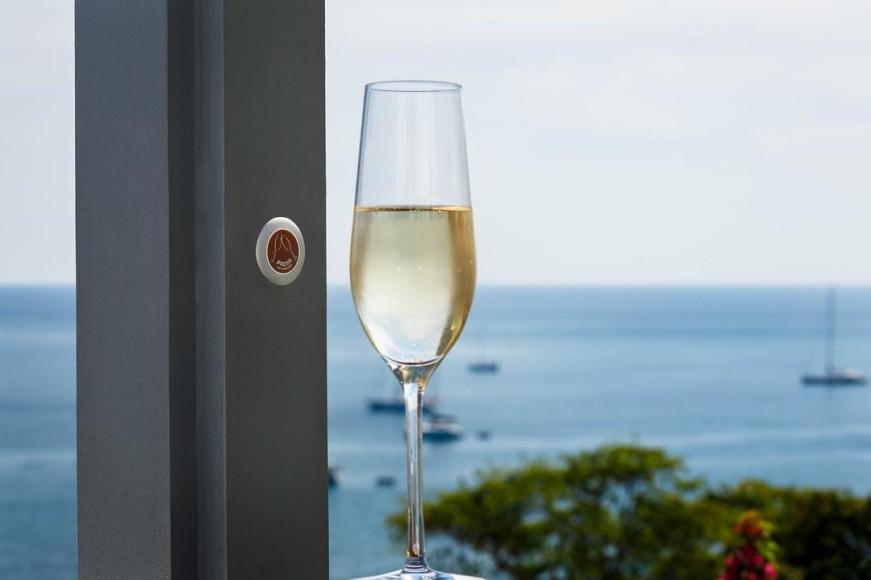 Кнопка заказа шампанского