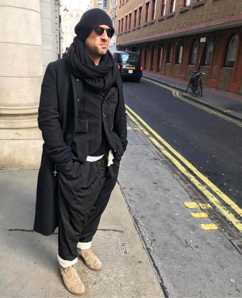 Дмитрий Нагиев в пиджаке свободной посадки и широких брюках