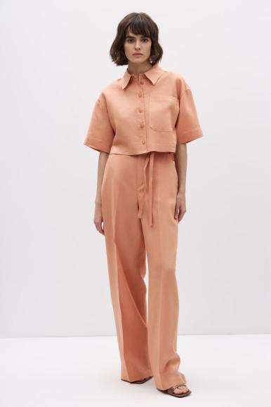 Укороченная рубашка изо льна, 2599 руб.,льняные брюки-палаццо с высокой посадкой, 3799 руб.