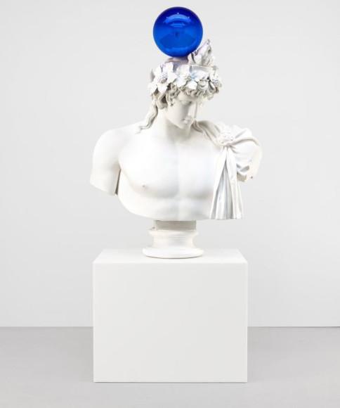 Скульптура Джеффа Кунса «Gazing Ball (Antinous-Dionysus)», 2013 г.