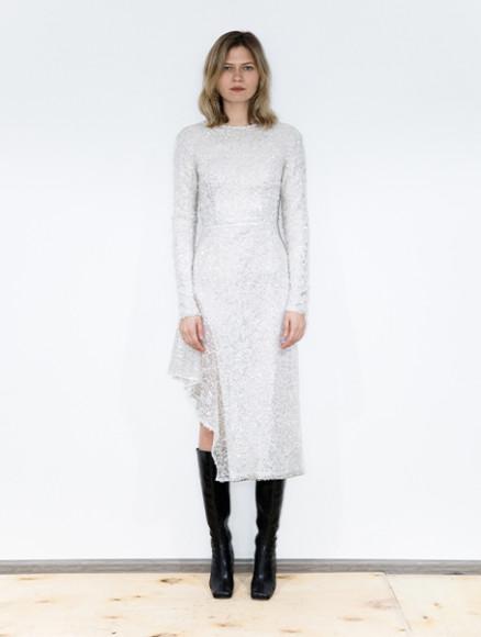 Платье WOS, 28 750 руб. (wosbrand.co)