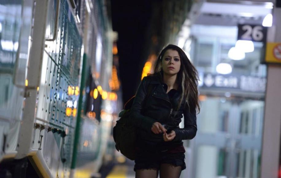 Актриса Татьяна Маслани в сериале «Темное дитя»