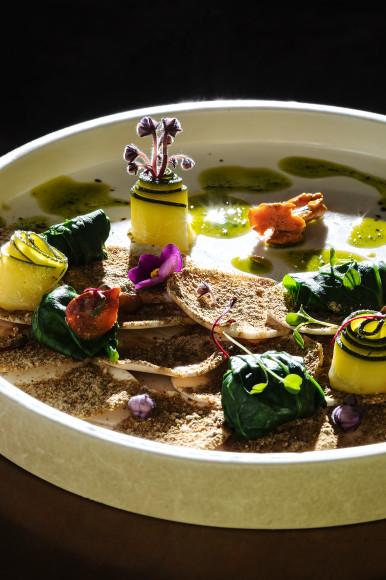 Карпаччо из грибов, с трюфельным маслом и слайсами цукини