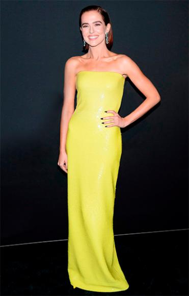 Зои Дойч в платье Ralph Lauren на вечере Women in Hollywood