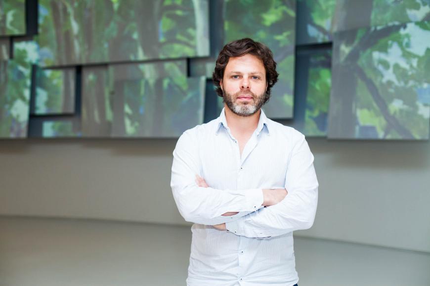 Американский художник и автор инсталляции «Дышащие полотна» Жан-Кристоф