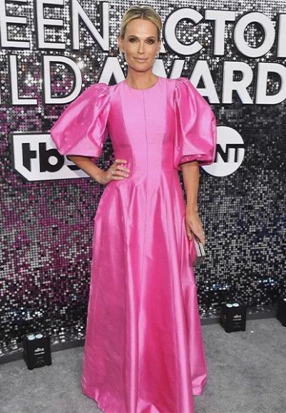 Молли Симс в платье Rasario на премии Гильдии киноактеров США (SAG Awards)