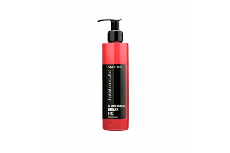 Несмываемый эликсир So Long Damage Break Fix, Matrix на основе витаминов группы B помогает восстановить поврежденные участки волос, а также питает, придает эластичность и блеск, укрепляет и разглаживает