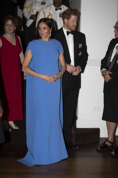 Меган Марклв платье Safiyaa оттенка fijian blue