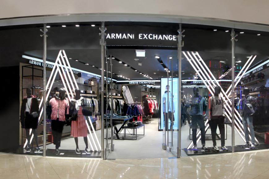 Магазин Armani Exchange в обновленном формате