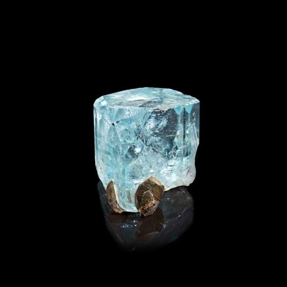 Голубойтопаз и кварц Морион, 250 млн лет, Урал