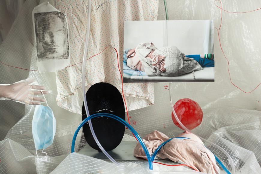 Янина Болдырева, «Выйти во двор», из серии «Quite still», 2020