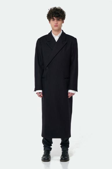 Пальто The Óckam, 22 000 руб. с учетом скидки (the-ockam.com)