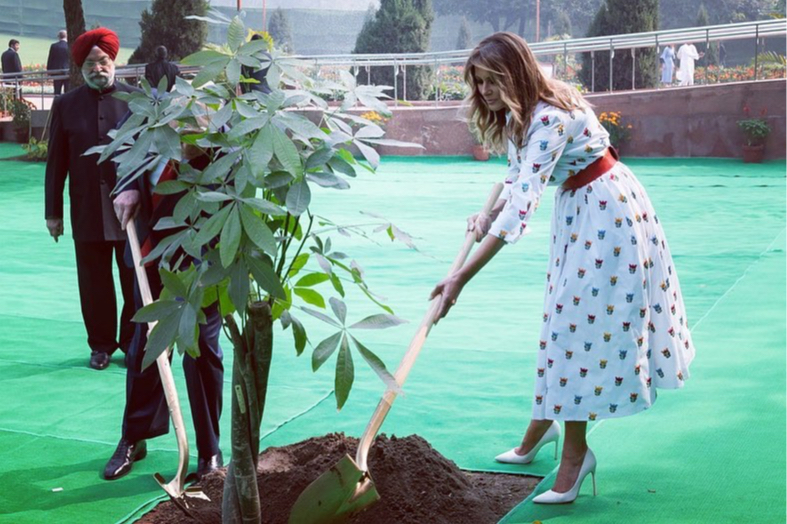 В Carolina Herrera во время поездки в Дели, 2020 год