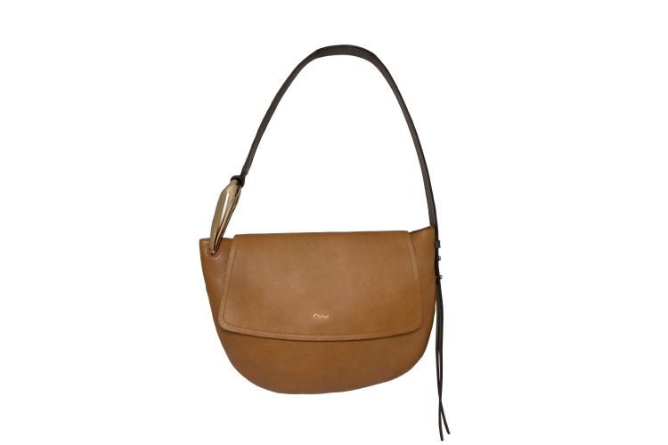 Kiss Shoulder Bag, цена по запросу (ЦУМ)