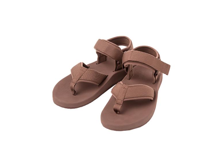 Женские сандалии Uniqlo, 2999 руб. (Uniqlo)