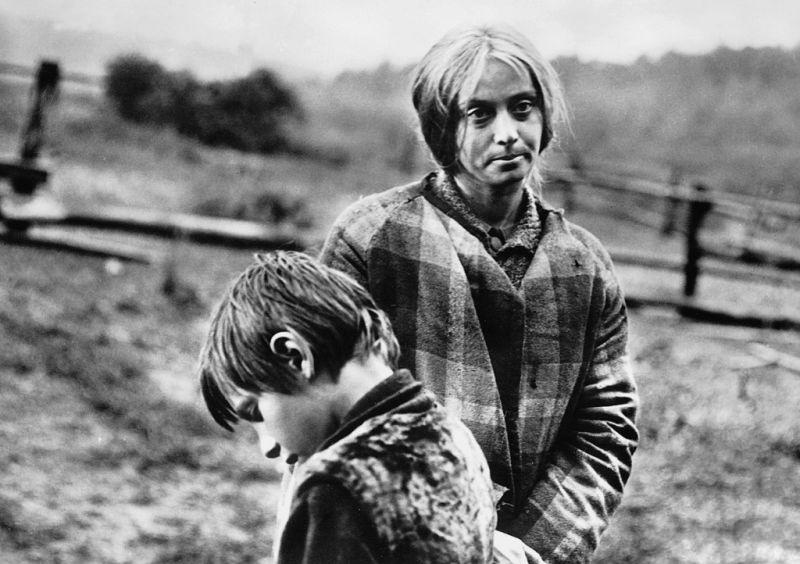 Кадр из фильма Андрея Тарковского «Зеркало»