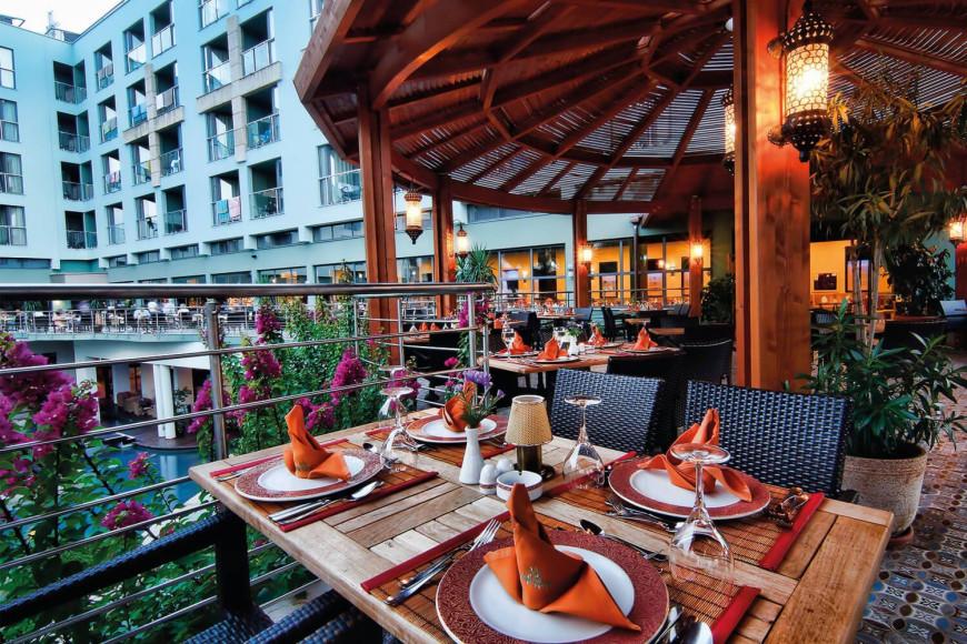 Ресторан «Far East»в отеле Limak Atlantis Deluxe Hotel & Resort (Limak Atlantis)