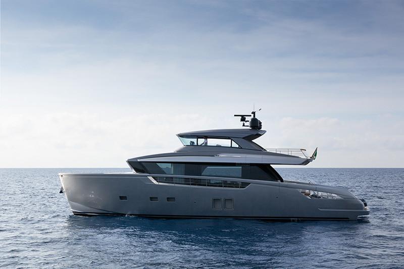Модель яхты Sanlorenzo SX76
