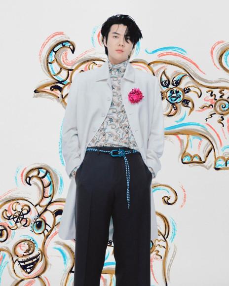 Участник EXO О Се Хун в съемке коллекции Dior Men сезона осень-зима 2021/22
