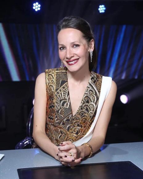 Дарья Златопольская в «Танцах со звездами» в платье Louis Vuitton и серьгах Graff