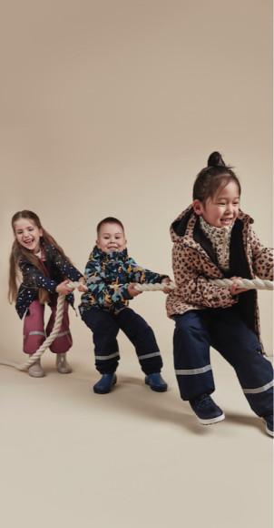 Агния, Елисей иЯнжима(слева-направо) — амбассадоры H&M в России