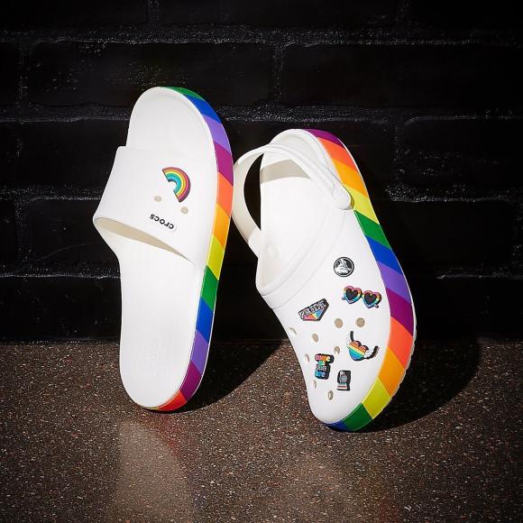 Кроксы с символикой ЛГБТК+