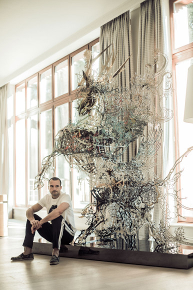 Скульптура, привезенная из Тайваня
