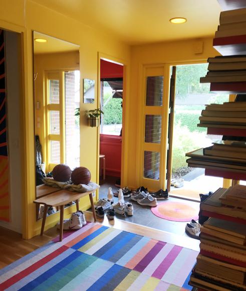 Яркий коридор в доме Хенрика и Иды