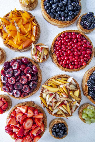 Торты и тарталетки с кремом, фруктами и ягодами, La Pâtisserie du Meurice par Cédric Grolet