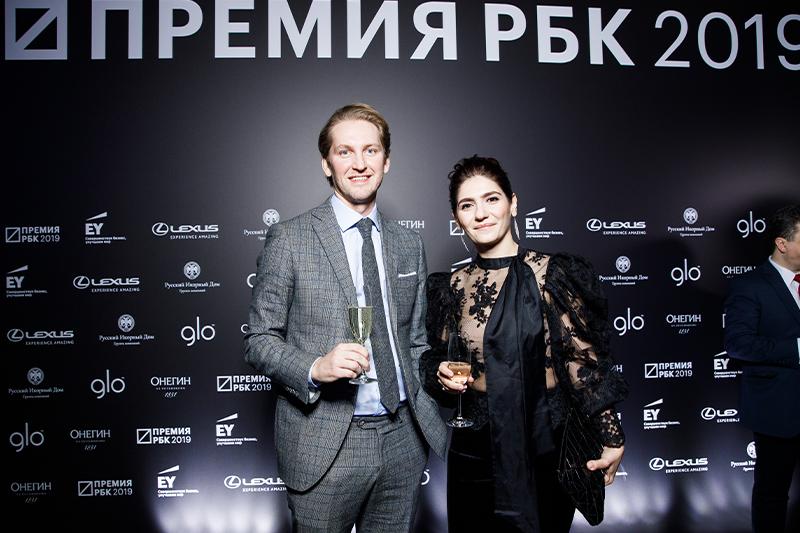 Игорь Кованов, основатель Falcon Advisers,со спутницей