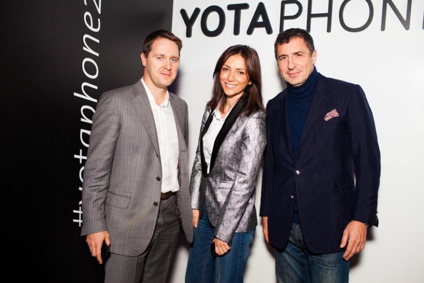 Дмитрий Тальников Внешэкономбанк, Карина Ошроева и Давид Бауман( инвестиционный банкир)