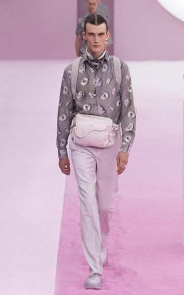 Принт по мотивам работ Дэниела Аршама в коллекции Dior Men, весна-лето 2020