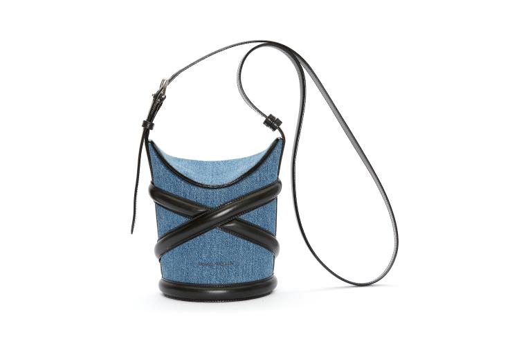 Alexander McQueen The Curve Bag, 114 500 руб. (Третьяковский проезд)