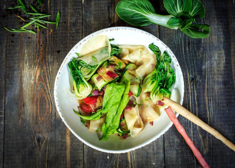 Салат из кольраби и капусты пак-чои