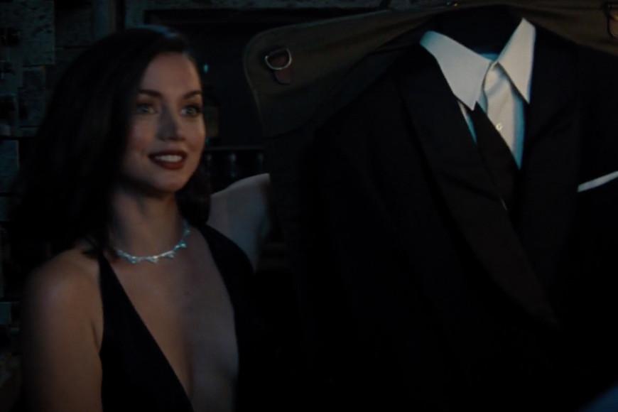 Палома в колье Chopard Green Carpet и с костюмом Tom Ford для Джеймса Бонда