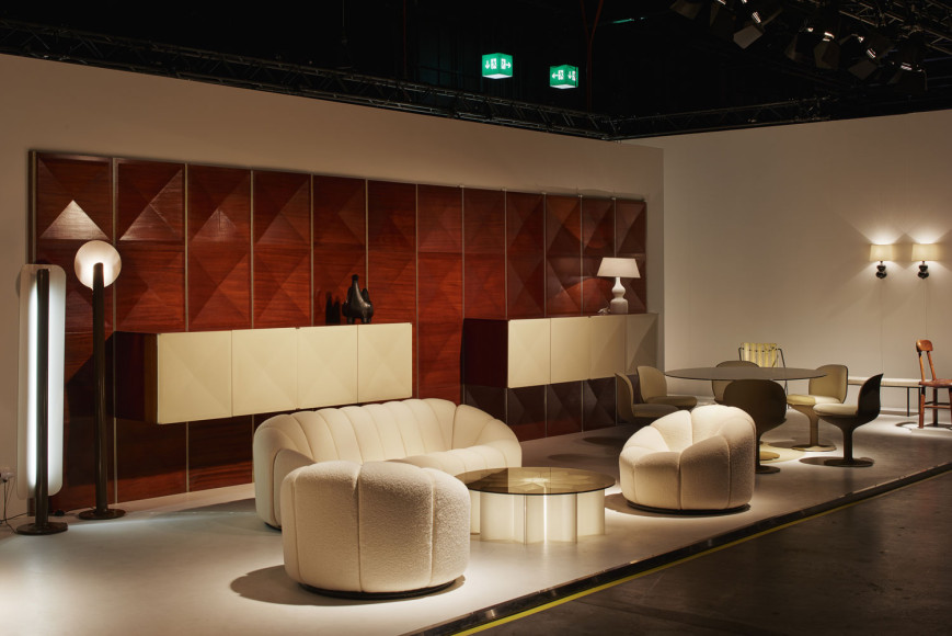 Мебель Пьера Полена— стенд галереи Jousse Enterprise на ярмарке Design Miami/Basel