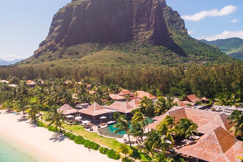 Территория курортного отеля The LuxCollective